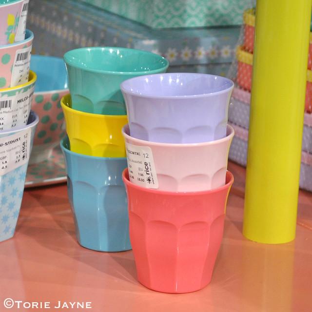 Pastel melamine cups