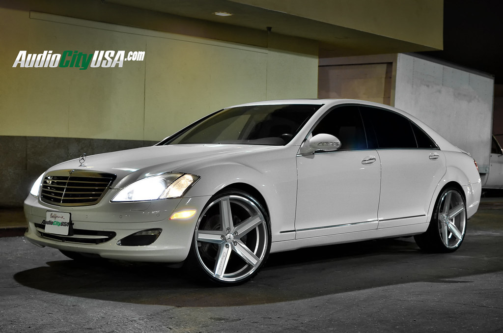 Mercedes benz s 550 on 22 giovanna dramuno 5 silver for Mercedes benz route 22