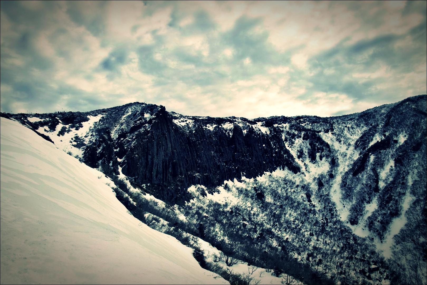 병풍바위-'한라산 영실코스 Hallasan youngsil trail'