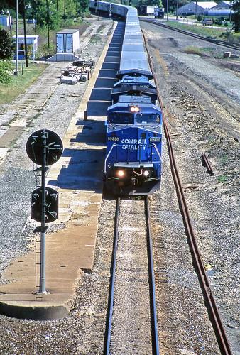 conrail pennsylvaniarailroad c408w fortwayneline roadrailers crestlineohio conraillocomotives pennsylvaniarailroadstylesignals pennsypositionlightsignals pennsylvaniarailroadpositionlightsignals conrailroadrailers conrailincrestlineohio conrail6236 conrailc408w
