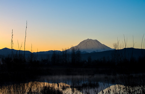 sunrise nikon sunday roadtrip pacificnorthwest washingtonstate tamron mtrainier pnw d610 orting piercecounty northwestwashington sunriseglow ryderphotographic howardryder tamronsp7002000mmf28divcusd