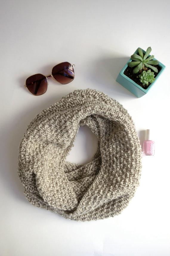 beigescarf