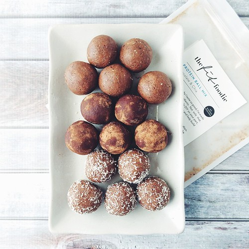 Balls. Choc & Chia protein balls from @thefitfoodieblog to be exact. No blender, no fructose (that's right, not a date in sight), no soy/gluten/dairy. Rolled some in extra cacao and some in coconut and left some plain because that's how I roll ????. The
