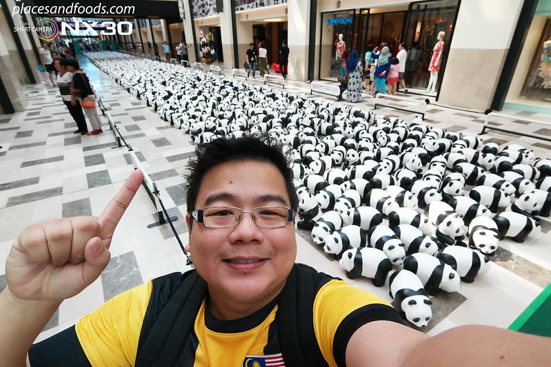 publika 1600 pandas placesandfoods selfie