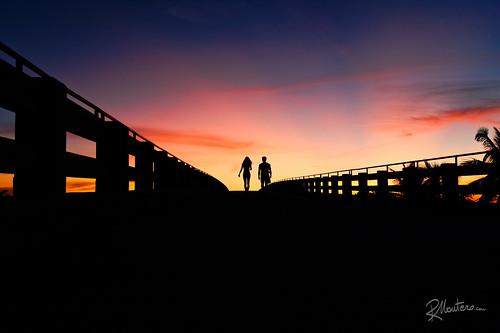 travel sunset sky people usa walking couple florida walk dramatic fl riccardo greatphotographers mantero sevenmilesbridge