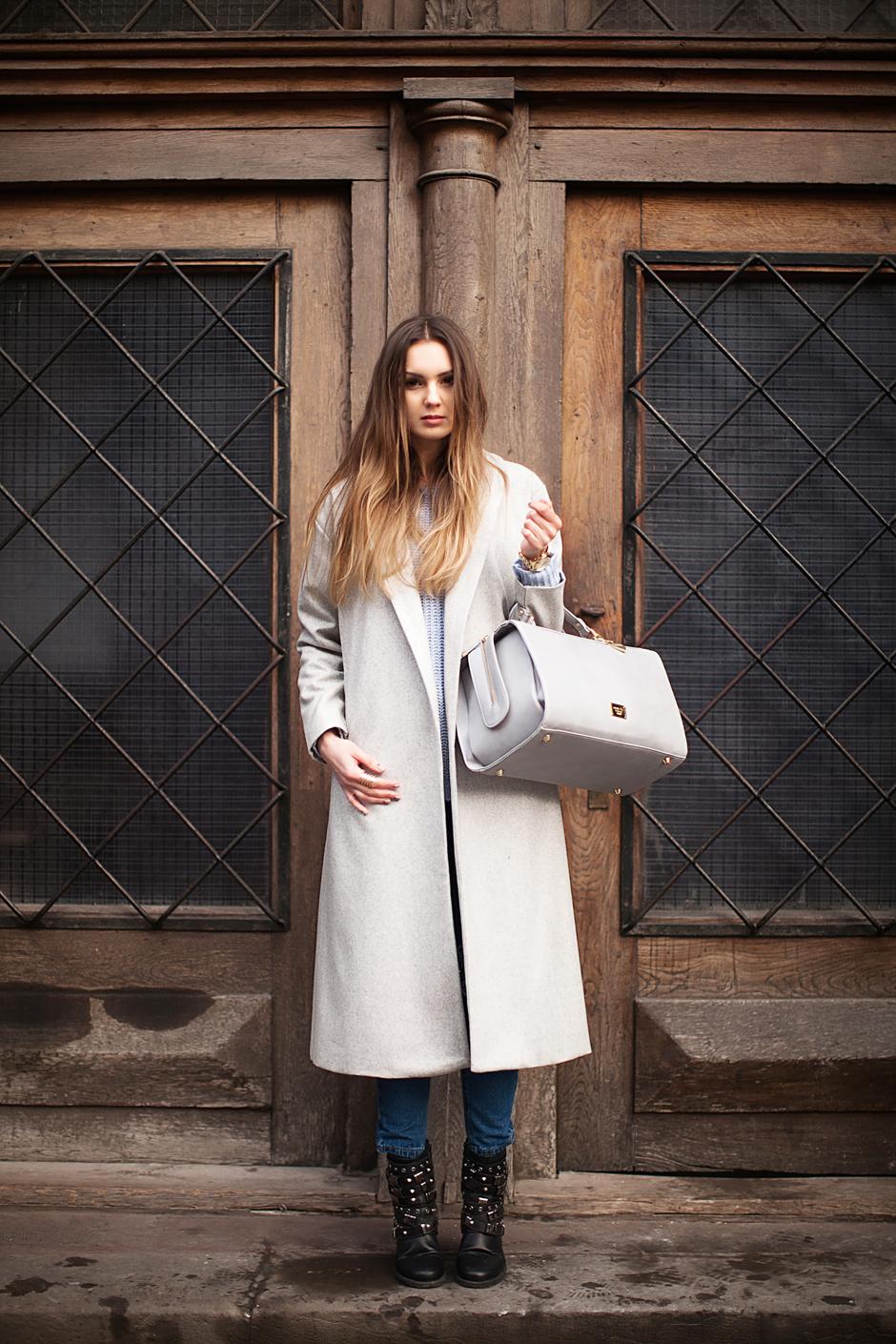 street-style-mom-jeans-gray-coat
