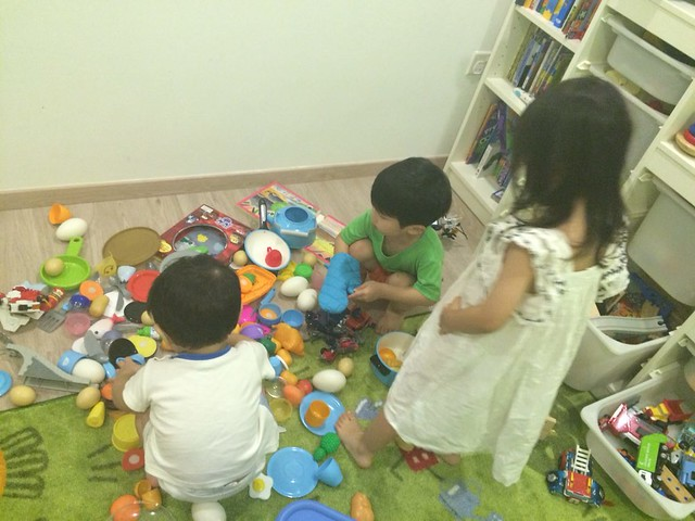 A MESS. Messy play indeed, between Jerome, Jerry & Joy (3 Js!)