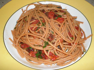 Spaghetti with Olive Sauce