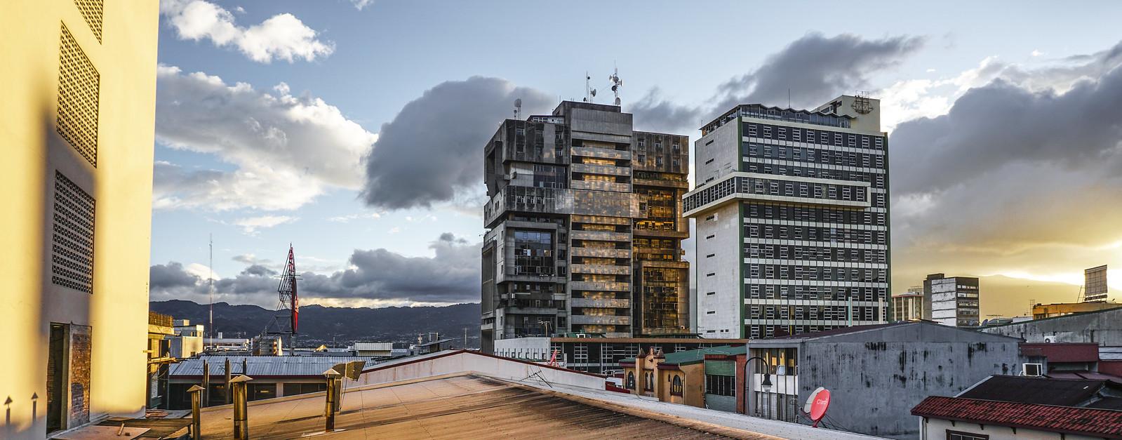 Edificio jenaro valverde torre anexa ccss y laureano for Blau hotels oficinas centrales