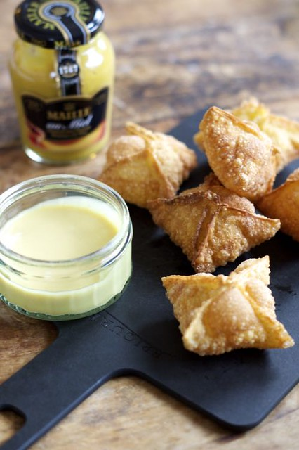 Kaas Wontons met Honing-Mosterdsaus by I am Cooking with Love