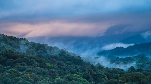 mountains fog sunrise thailand berge coppercloudsilvernsun
