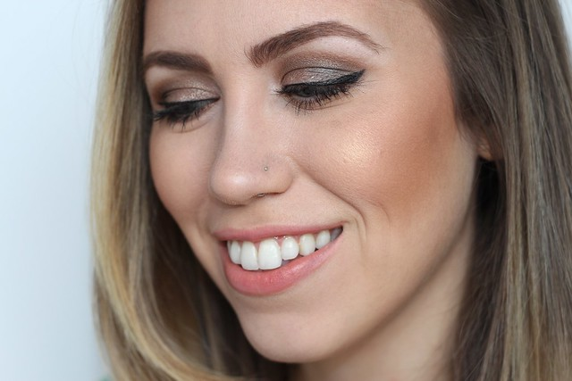 Bronze Smoky Eye | Makeup Monday | #LivingAfterMidnite