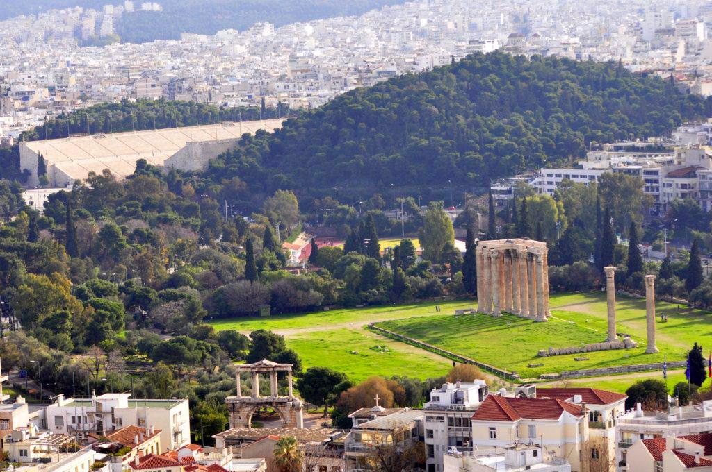 Templo de Zeus Olímpico atenas en 2 días - 16426116248 82526fefa6 b - Qué ver en Atenas en 2 días
