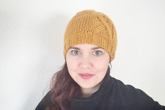 Gold Ribbon Knit Hat