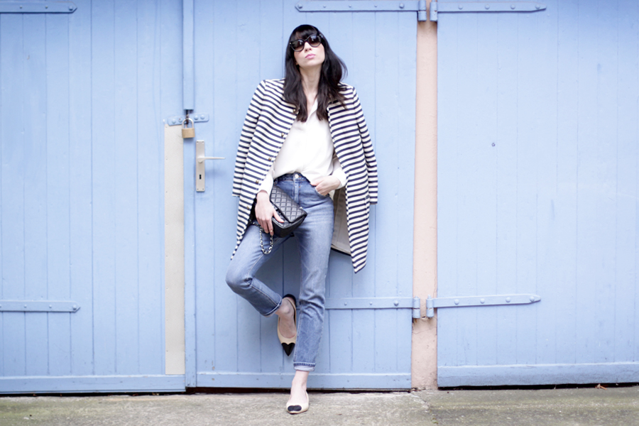 spring outfit striped coat mum jeans white shirt sailor asos joop fashion blue blau blaue jeans prada sunglasses sonnenbrille stylish modeblogger fashionblogger germany ricarda schernus blog cats and dogs 6