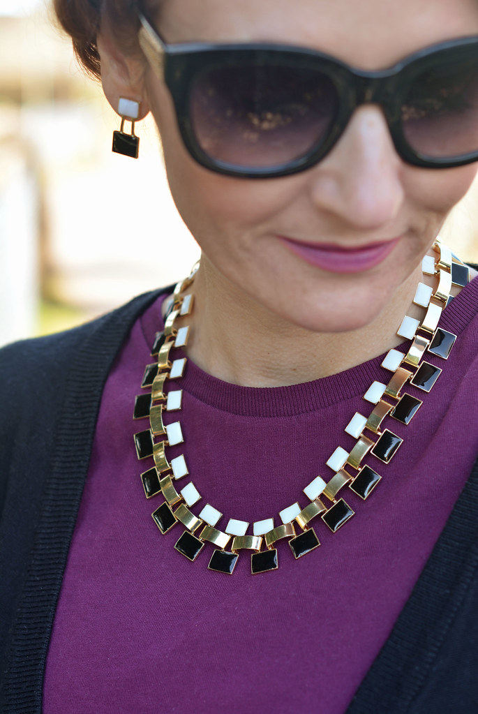 Black, gold and white necklace and earrings by Eternal Collection