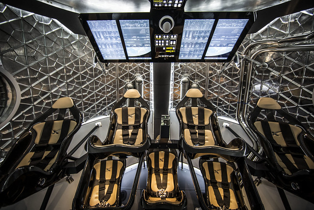 crew, dragon, interior, spacex