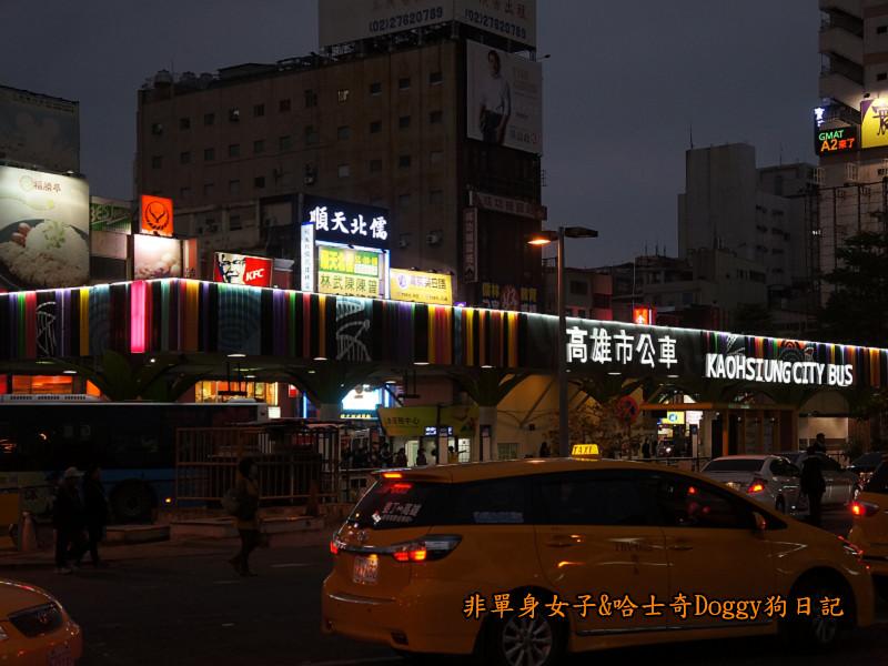 高雄市立圖書館&夢時代廣場摩天輪01