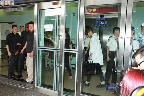 GDragon-arrival-HongKong-20140806 (11)