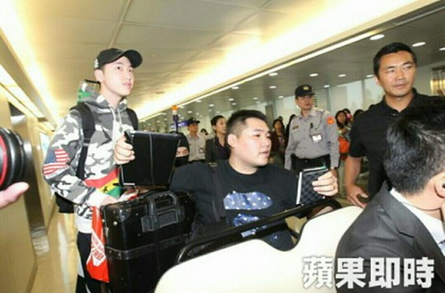 Big Bang - Taiwan Airport - 24sep2015 - Press - 05