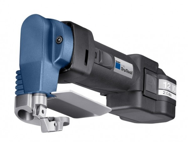 The TruTool S 160 shear is part of the new range of cordless tools from TRUMPF