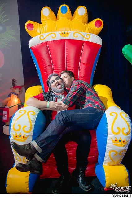homo for the holidays-201