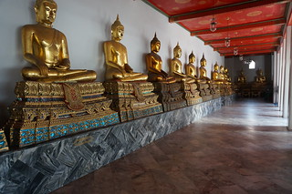 Another hall of Buddhas