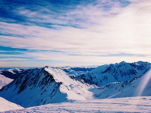 sky snow france mountains clouds sony z3 pistes slopes pyreneese xperia sonyxperiaz3 xperiaz3 sonyz3