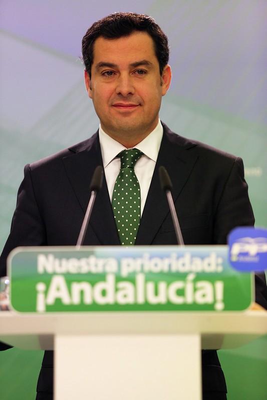 Juanma Moreno en rueda de prensa.