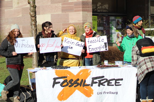 Global Divestment Day Freiburg, sun is shining on fossil free
