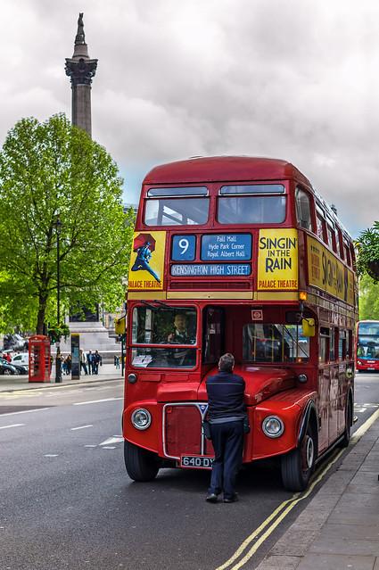 Londra 224 gli storici autobus rossi a due piani sono for Piani storici meridionali