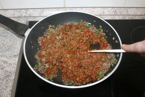 27 - Ketchup verteilen / Stir in ketchup