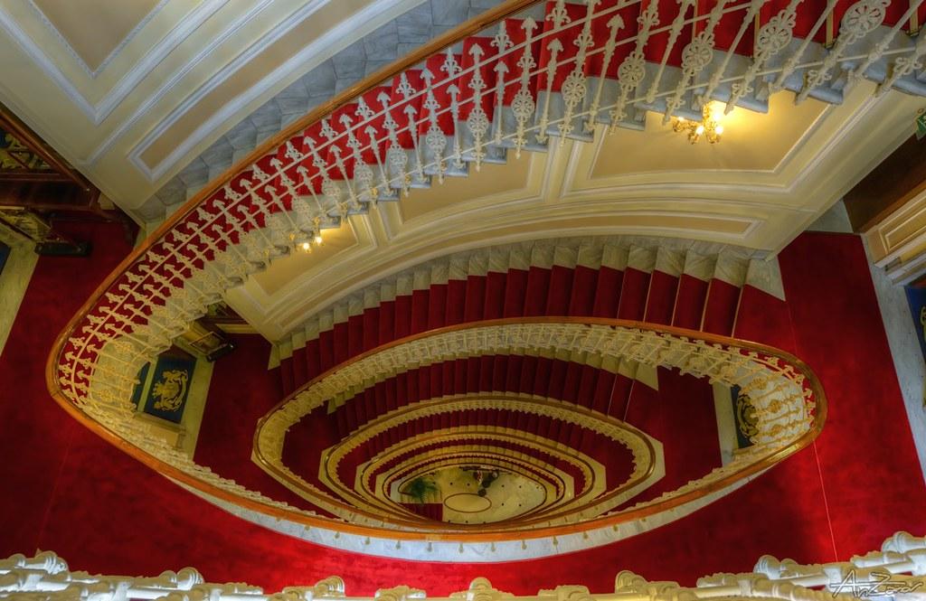 Red Velvet - Bristol Hotel staircase 2014-06-23 180544
