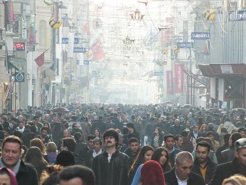 Szombat délután az İstiklâl Caddesi-n