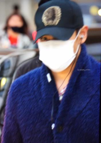 BIGBANG arrival Seoul 2015-10-26 bunnyslipper (2)