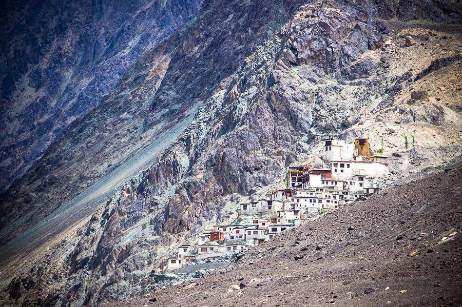 Дискит гомпа (монастырь Дискит). Долина Нубра, Ладакх © Kartzon Dream - авторские путешествия, авторские туры в Индию, тревел фото, тревел видео, фототуры