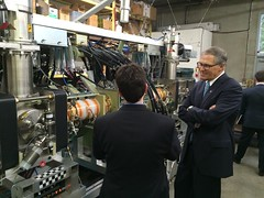 Helion Energy CEO Dr. David Kirtley and Gov. Inslee with Helion's prototype