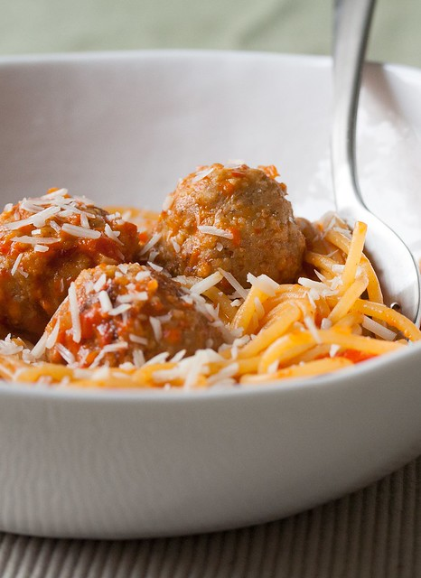 Spaghetti with Chicken Meatballs and Spicy Red Pepper Sauce