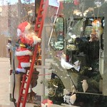 Santa Fe Prepares for the holidays