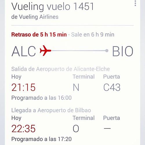 Google nos ha avisado en el.móvil una hora antes que los paneles del aeropuerto.