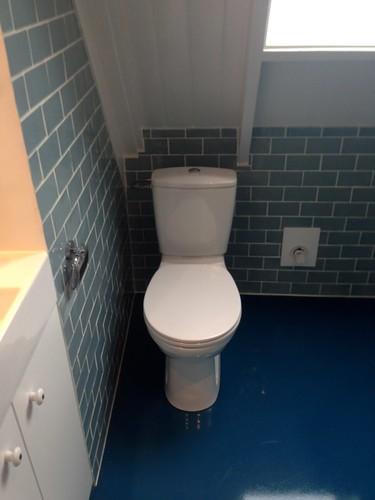 Bathroom renovation blue 16