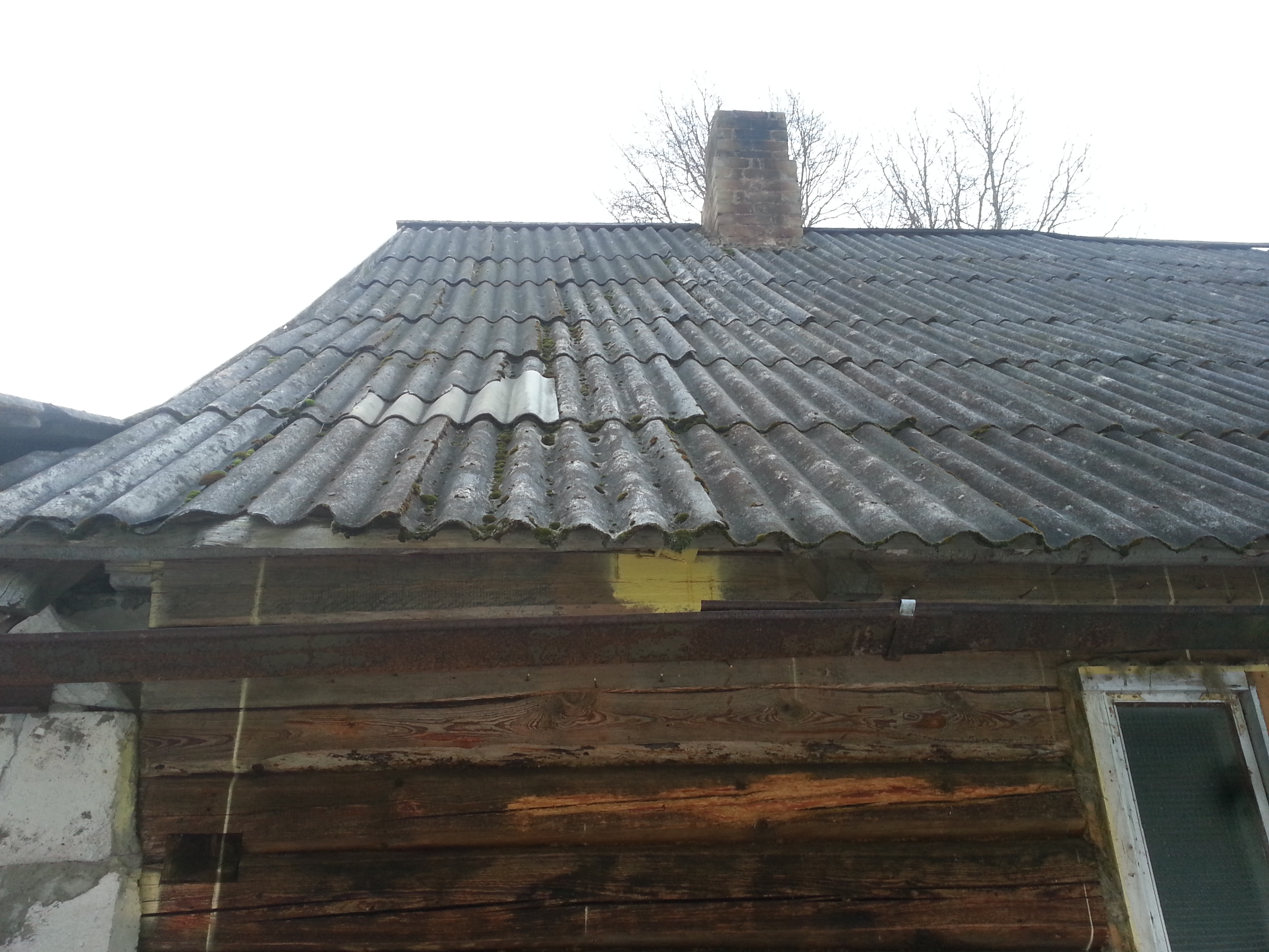 Lifting A Roundwood Framed Roof To Replace Top Structural