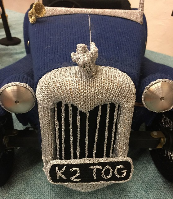 Knitted car - Nudinits at Unravel