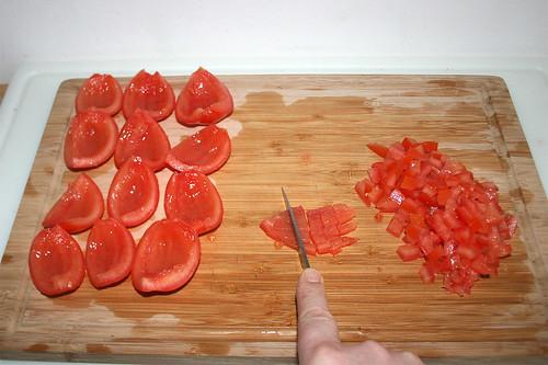 19 - Tomaten würfeln / Dice tomatoes