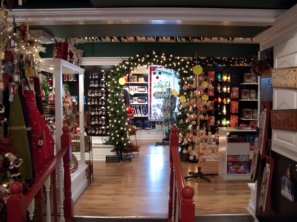 Christmas store in Niagara on the Lake