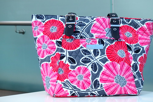 Be Colorful Tote in Cheery Blossoms