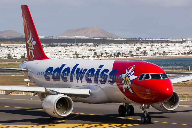 Edelweiss - A320 - HB-IJV (1)