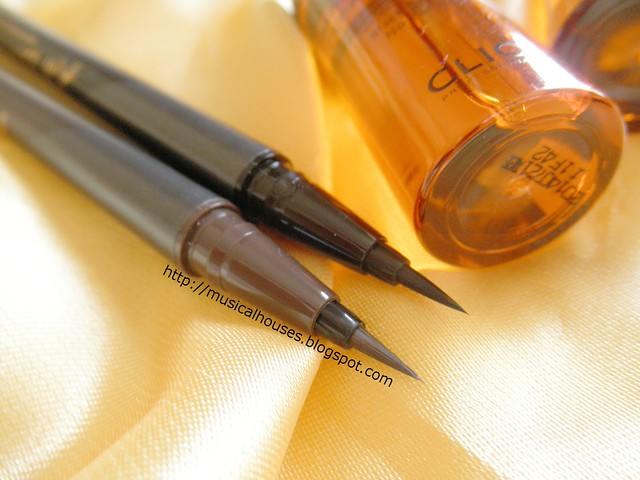 Clio Eyeliners Waterproof Brush Eyeliner Bristle