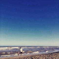 Padre e hijo en la playa. Fotaza de @juanmartinhsu !!!