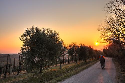 In Vespa verso il tramonto